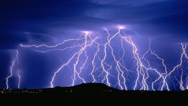 تفسير حلم البرق في المنام للرجل والمرأه