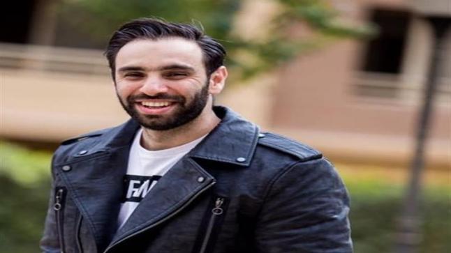 """أحمد الشامي يرد على إساءة الرئيس الفرنسي: """"ماكرون جاب ورا"""""""