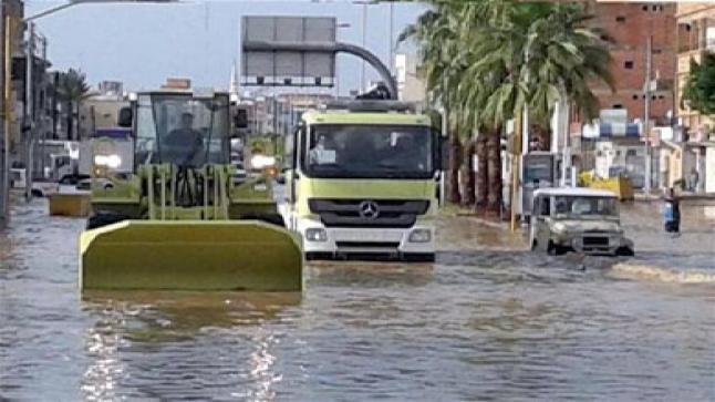 العاصمة السعودية الرياض تتعرض لموجة امطار شديدة تصل إلى حد السيول
