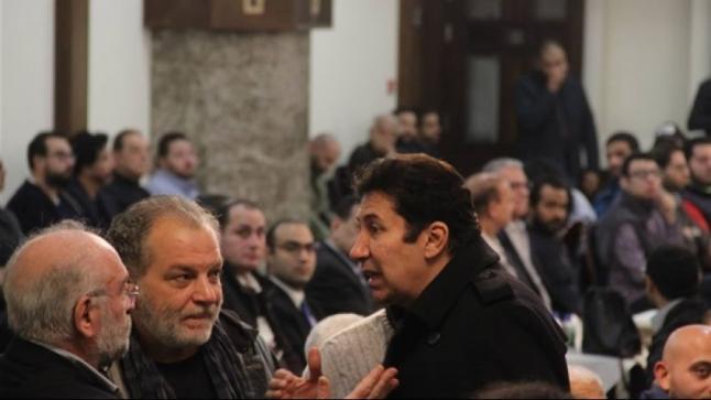 هاني رمزي حزين في عزاء المخرج الراحل سمير سيف